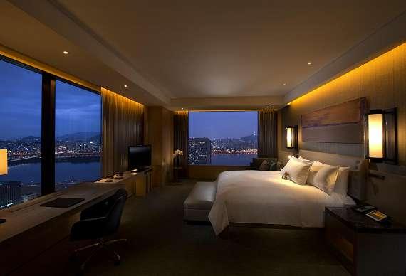 콘래드 호텔